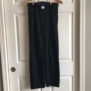 Nike Black Therma Fit Ankle zip pant / size S